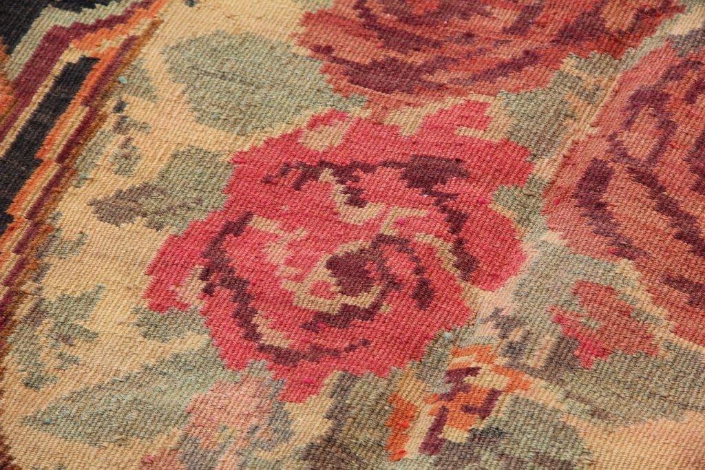 moldawischer vintage kelim teppich mit rosenmuster bei pamono kaufen. Black Bedroom Furniture Sets. Home Design Ideas