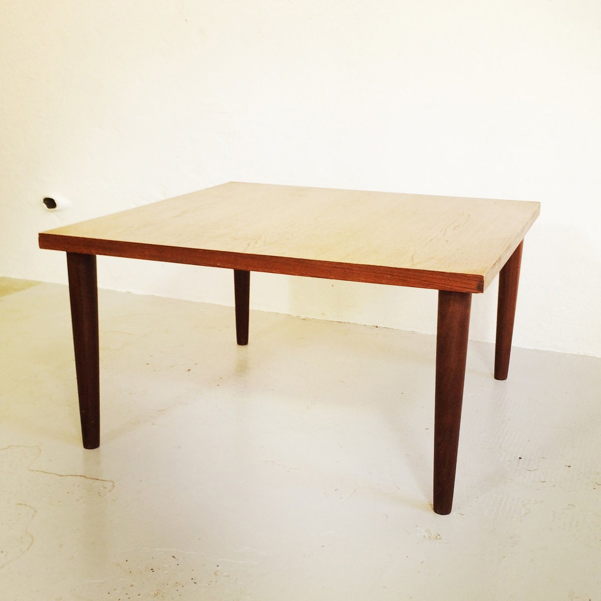 Table basse scandinave moderne en vente sur pamono for Table scandinave soldes