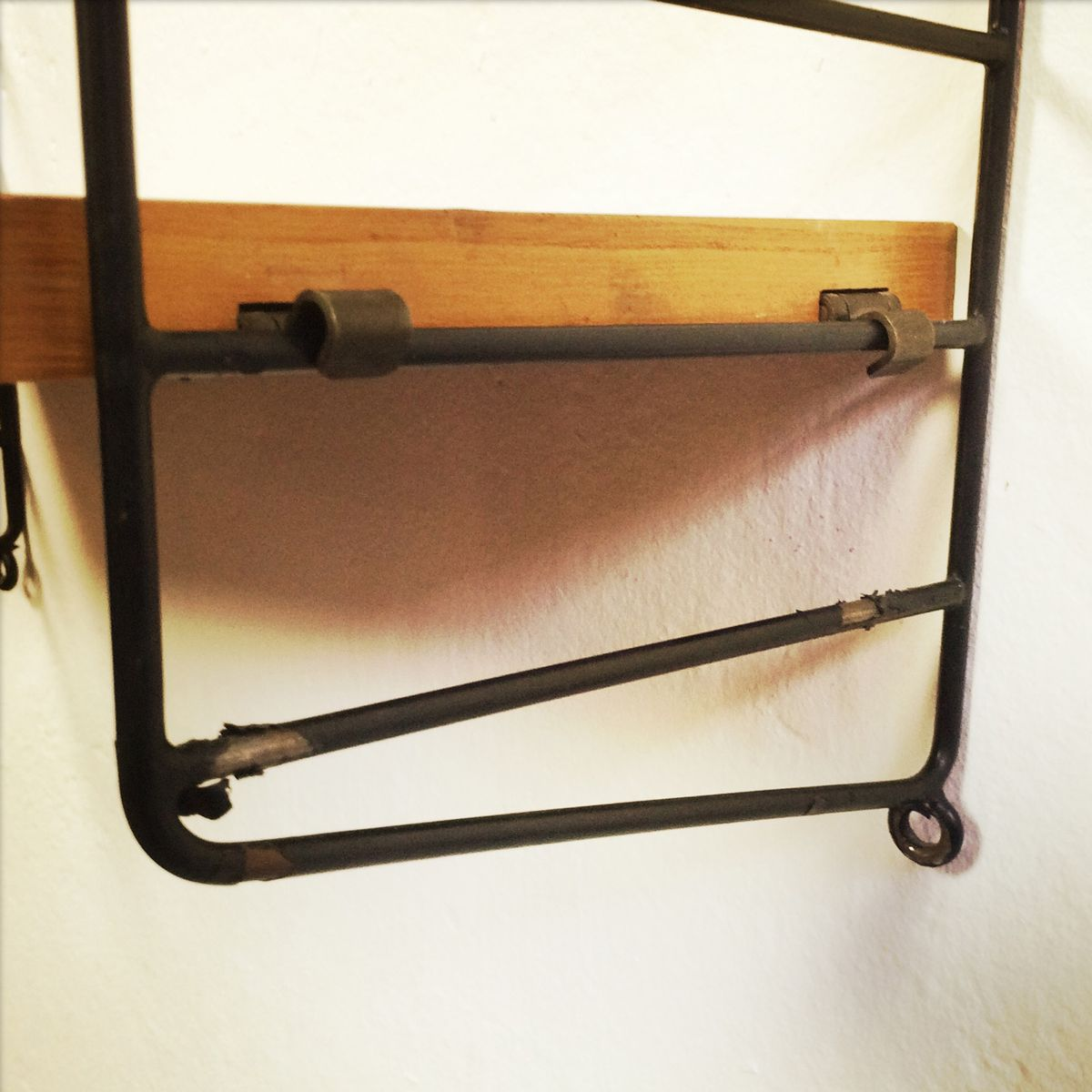 kleines modulares string wandregal bei pamono kaufen. Black Bedroom Furniture Sets. Home Design Ideas