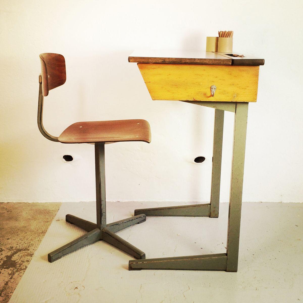 schreibtisch und stuhl f r kinder von friso kramer 1950er. Black Bedroom Furniture Sets. Home Design Ideas