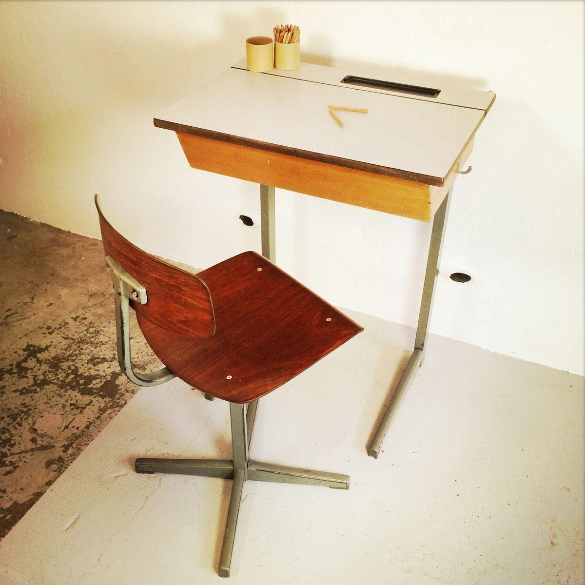 schreibtisch und stuhl f r kinder von friso kramer 1950er bei pamono kaufen. Black Bedroom Furniture Sets. Home Design Ideas