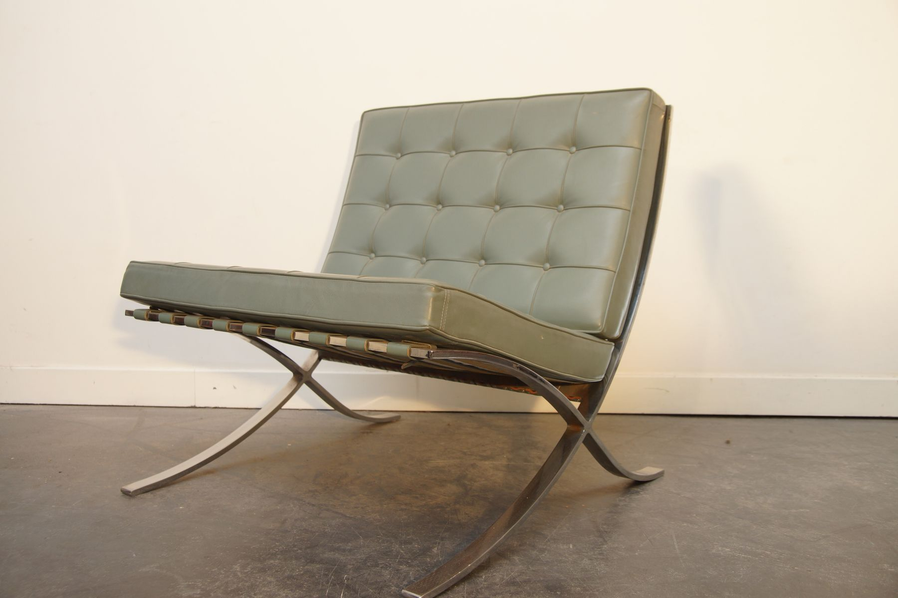 barcelona chair by mies van der rohe for knoll 1980s for sale at pamono. Black Bedroom Furniture Sets. Home Design Ideas