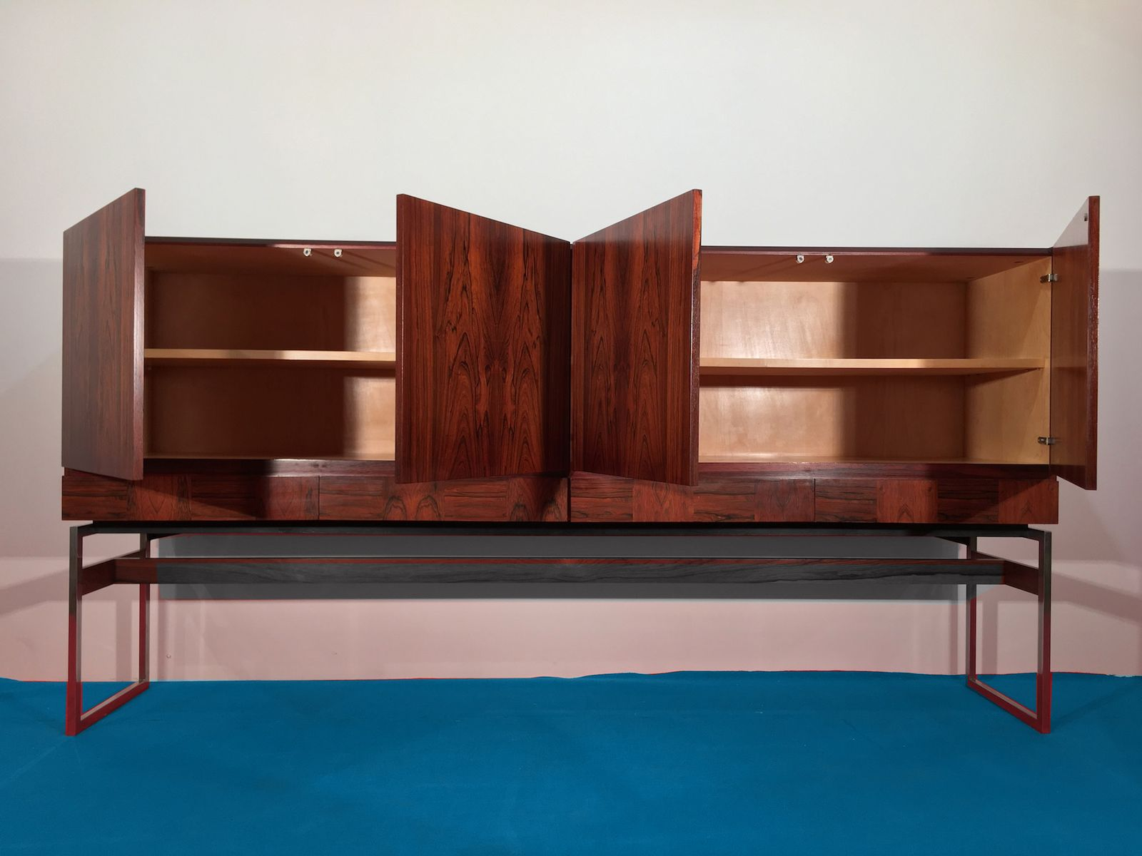 rio rosewood sideboard by rudolf bernd glatzel for fristho. Black Bedroom Furniture Sets. Home Design Ideas