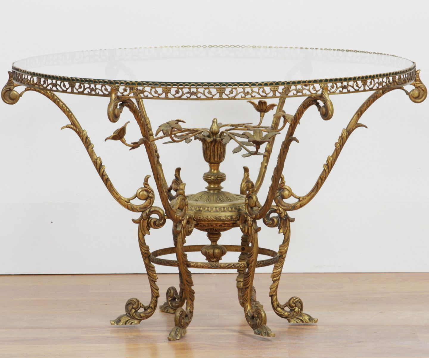 Brass glass round coffee table for sale at pamono Brass round coffee table