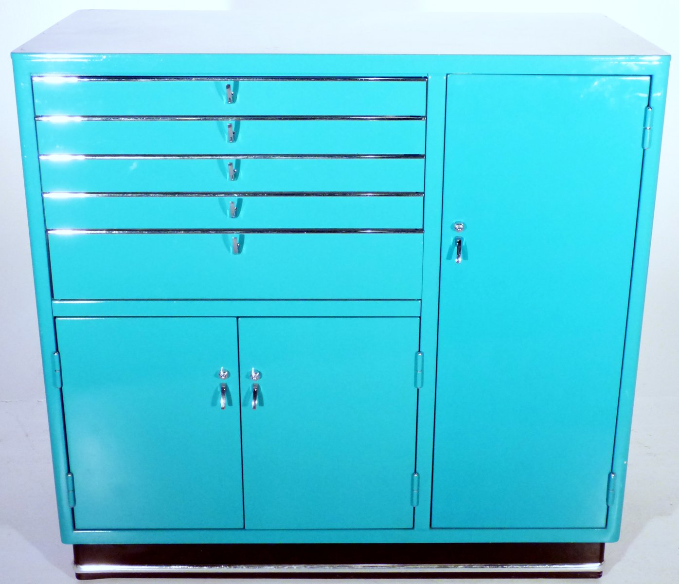armoire pharmacie vintage turquoise par karl baisch en. Black Bedroom Furniture Sets. Home Design Ideas