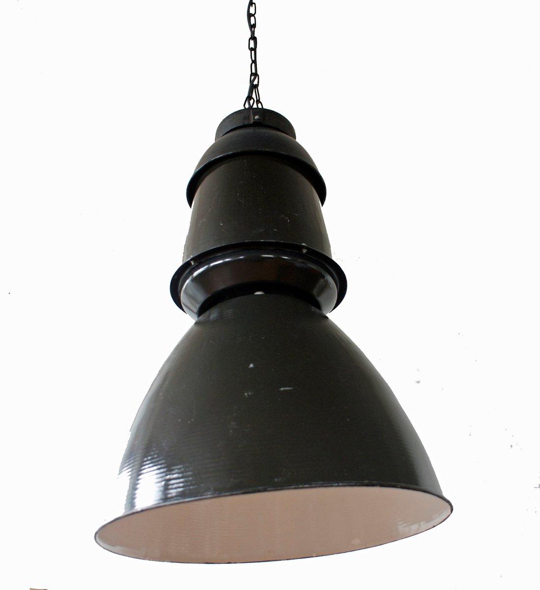 Grande lampe suspension industrielle noire 1950s en for Lampe suspension noire