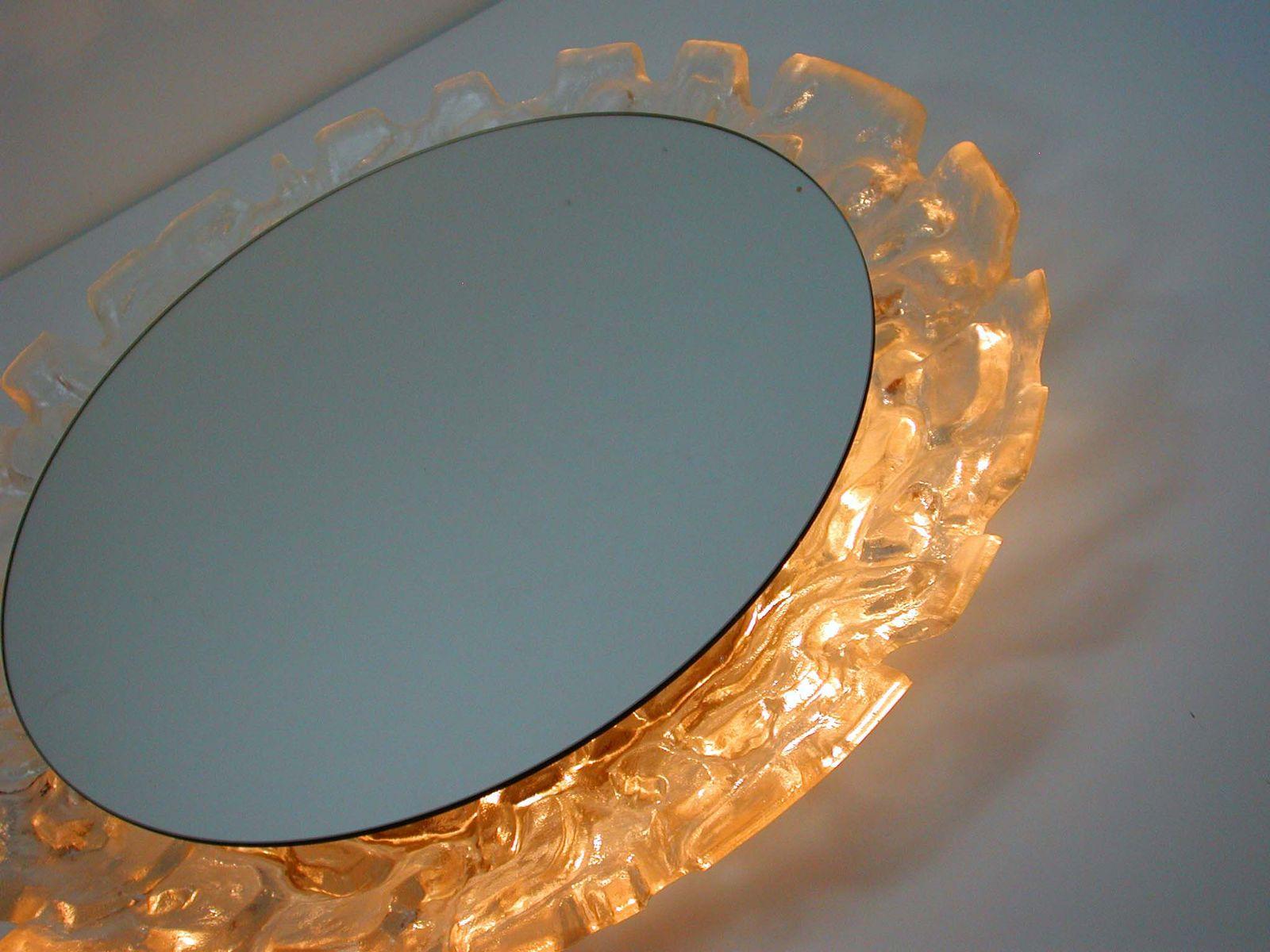 beleuchteter deutscher mid century spiegel aus frostglas von hillebrand 1960er bei pamono kaufen. Black Bedroom Furniture Sets. Home Design Ideas