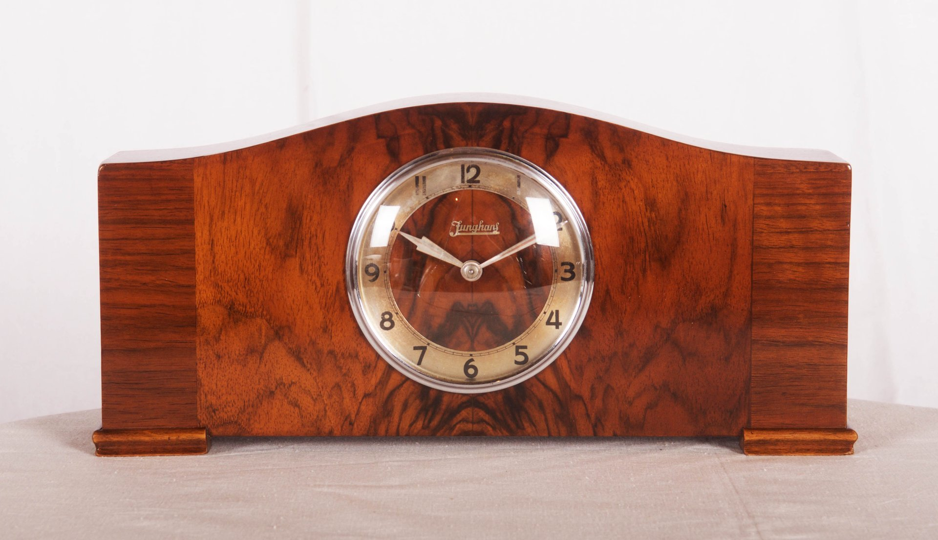 horloge de chemin e art d co par junghans 1930s en vente. Black Bedroom Furniture Sets. Home Design Ideas