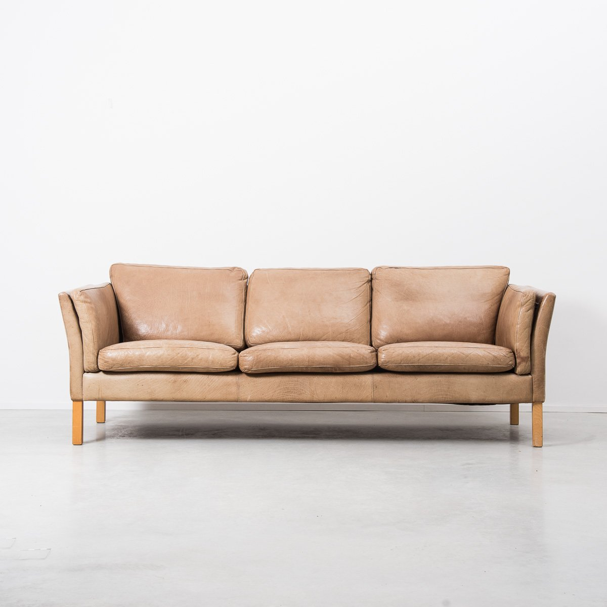 Tan Leather Sofa Roselawnlutheran