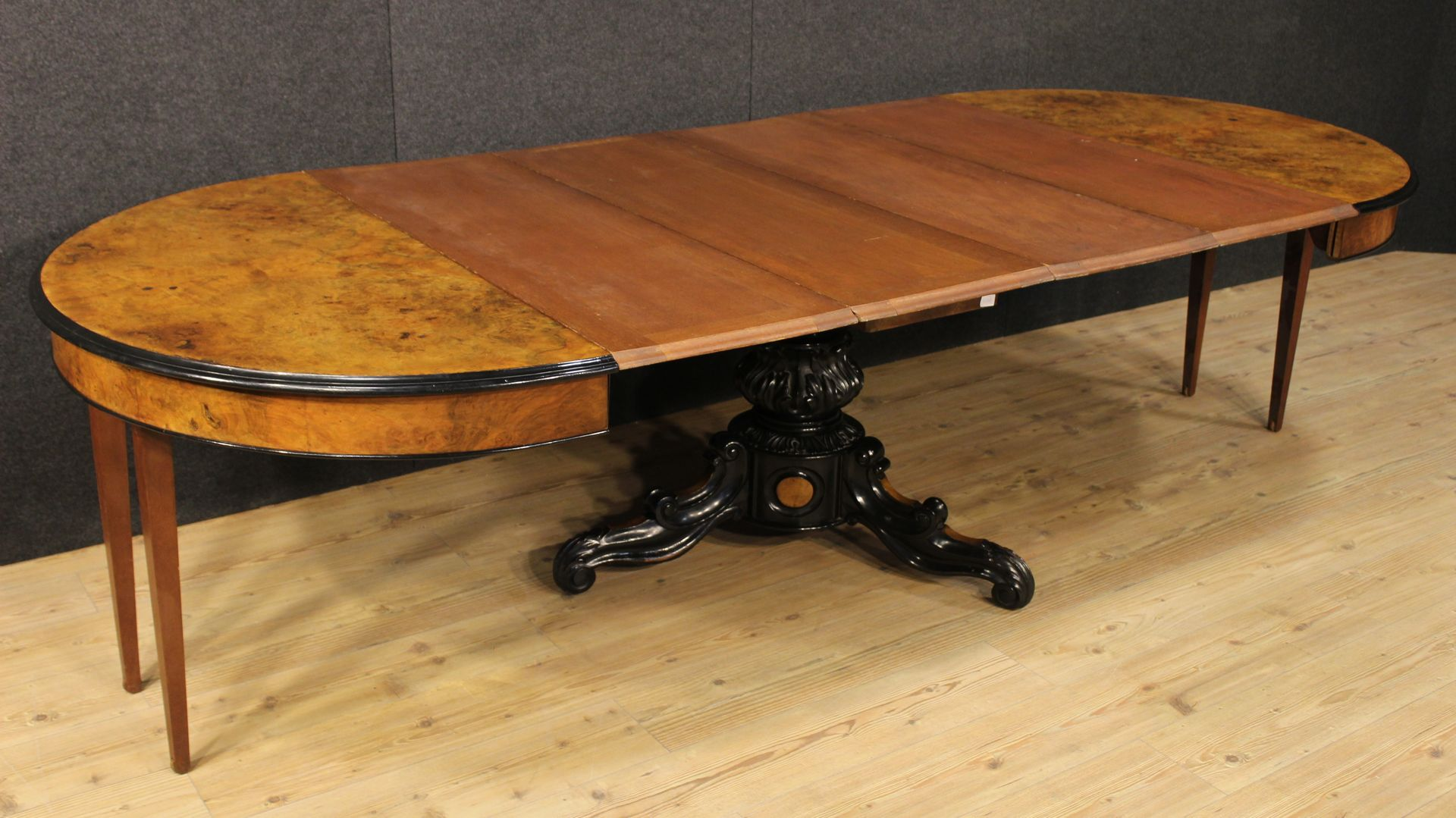 franz sischer ausziehbarer tisch aus nuss wurzelholz bei pamono kaufen. Black Bedroom Furniture Sets. Home Design Ideas