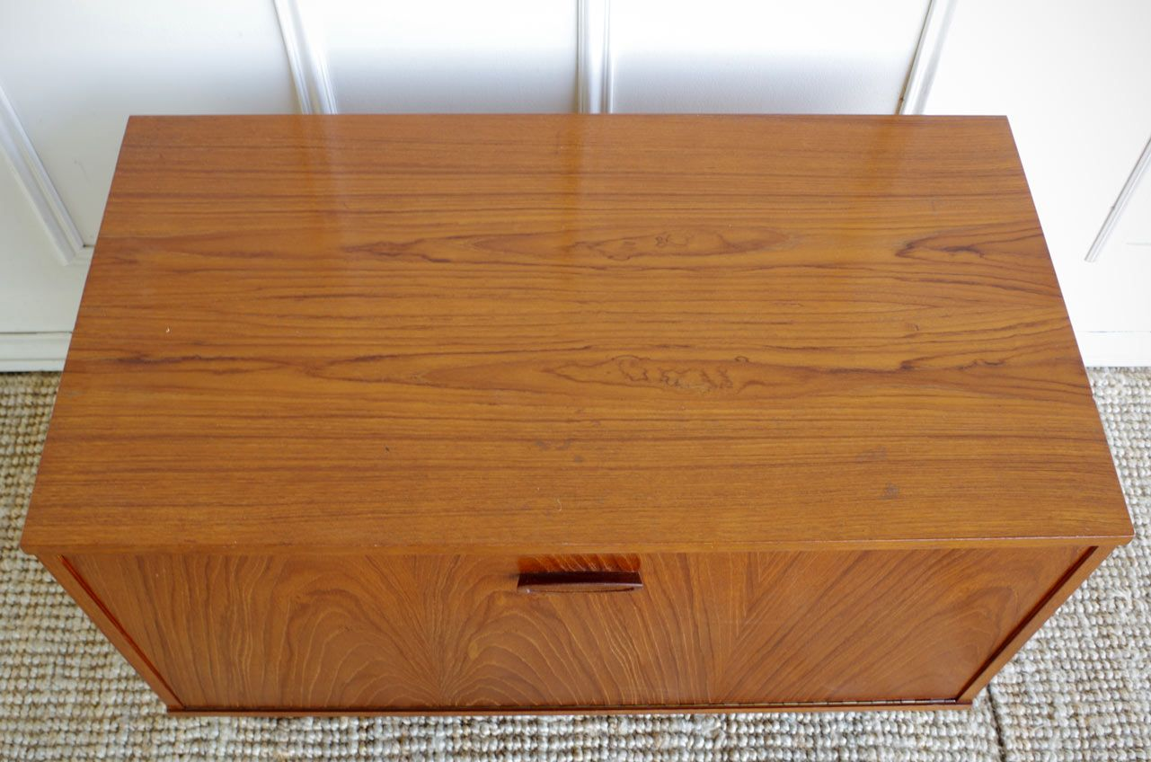 Vintage teak side cabinet 1960s for sale at pamono for 1960 kitchen cabinets for sale