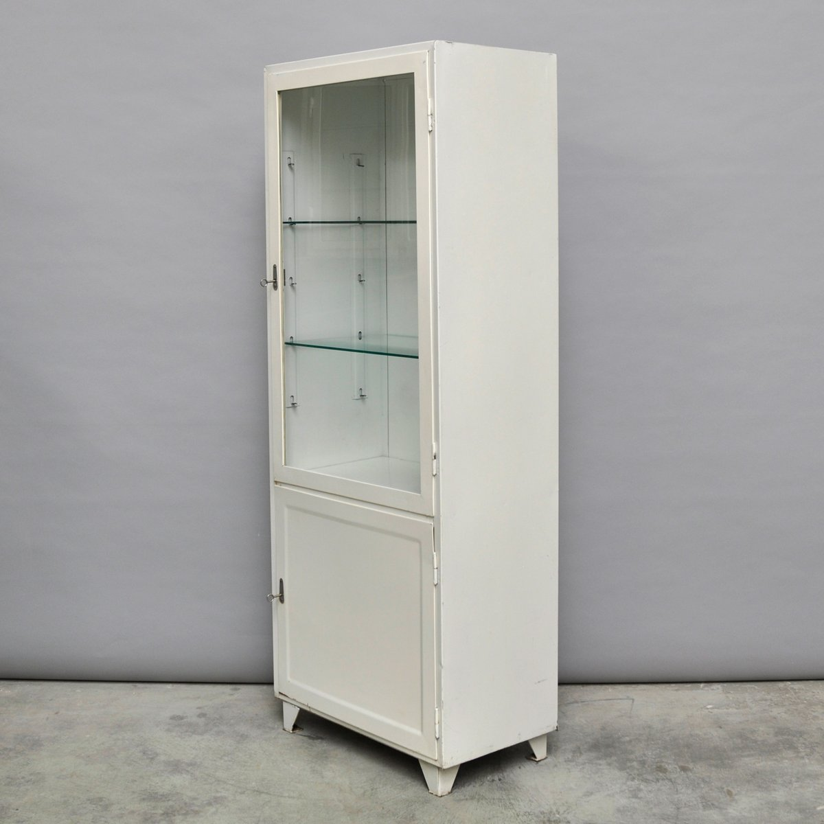 armoire pharmacie vintage en acier et verre pologne 1970s en vente sur pamono. Black Bedroom Furniture Sets. Home Design Ideas