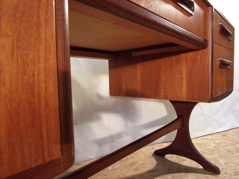 kleiner schreibtisch von g plan bei pamono kaufen. Black Bedroom Furniture Sets. Home Design Ideas