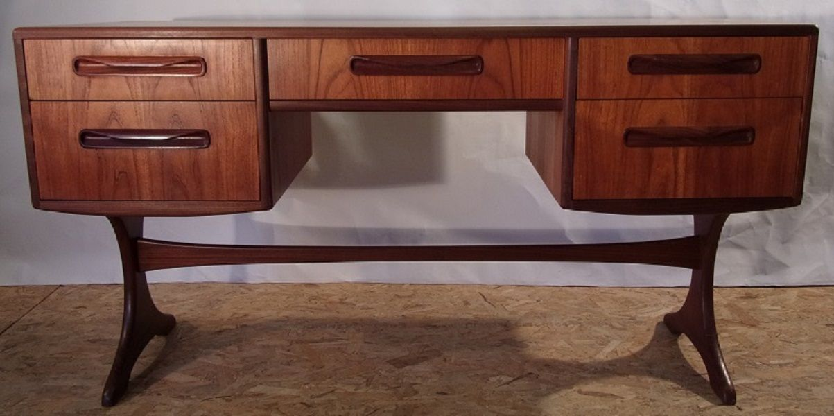 small bedroom desk from g plan for sale at pamono