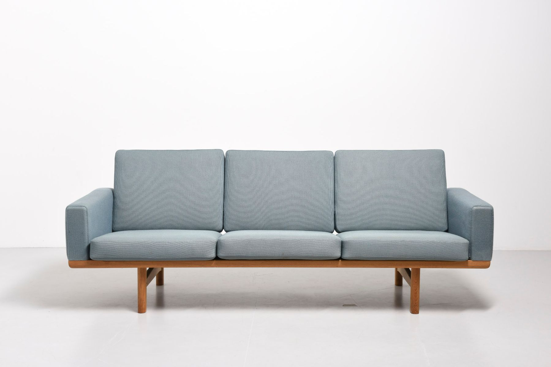 Light blue ge 236 sofa by hans j wegner for getama for for Blue sofas for sale