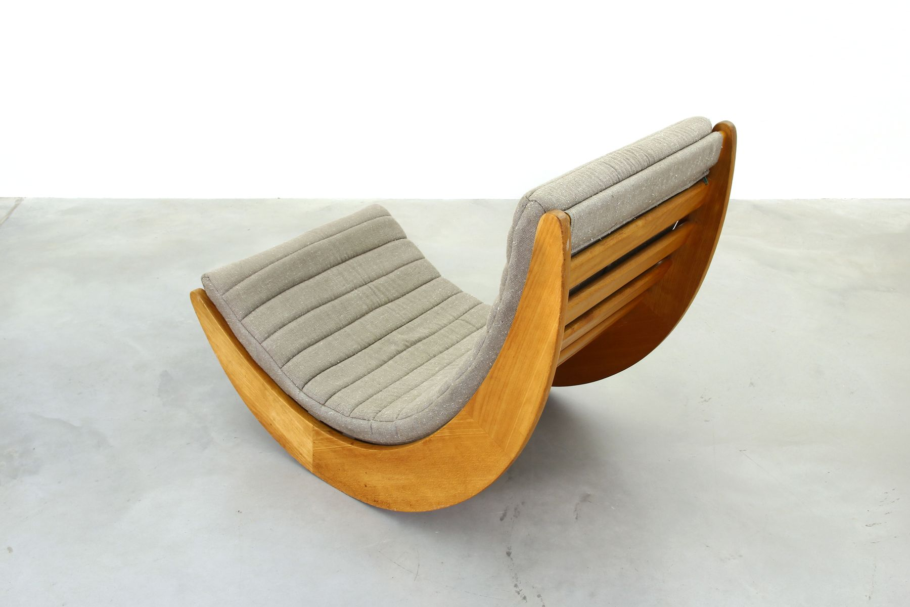 vintage taupe relaxer rocking chair by verner panton for rosenthal for