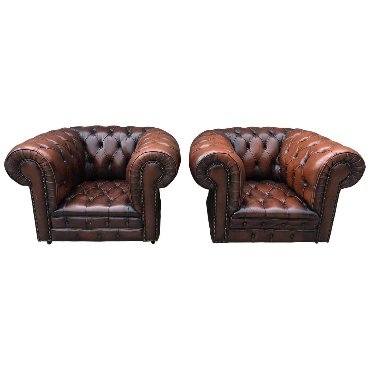vintage leder chesterfield clubsessel 2er set bei pamono. Black Bedroom Furniture Sets. Home Design Ideas
