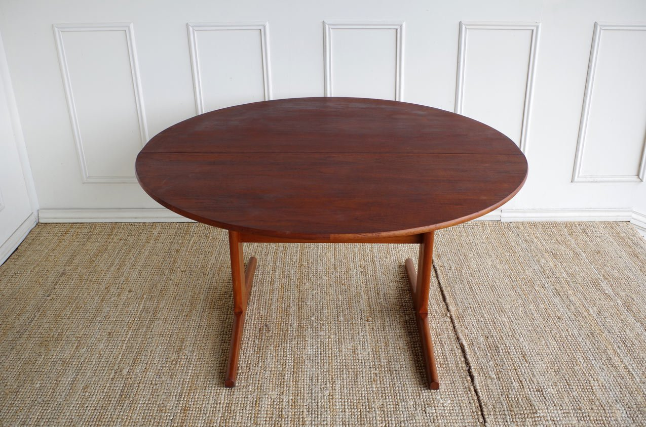 Table salle a manger scandinave for Table salle a manger teck