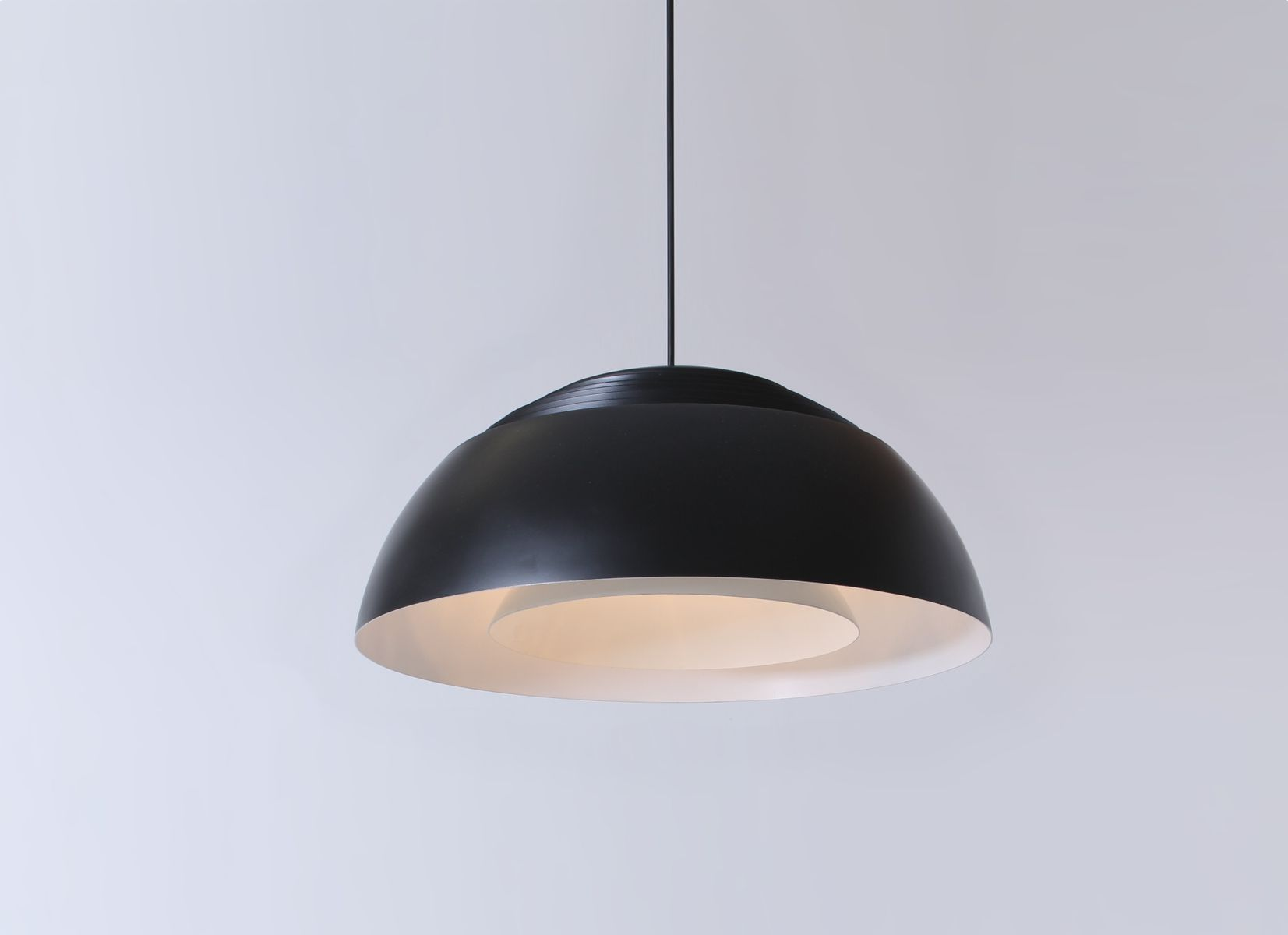 danish black royal pendant lamp by arne jacobsen for louis poulsen 1950s for sale at pamono. Black Bedroom Furniture Sets. Home Design Ideas