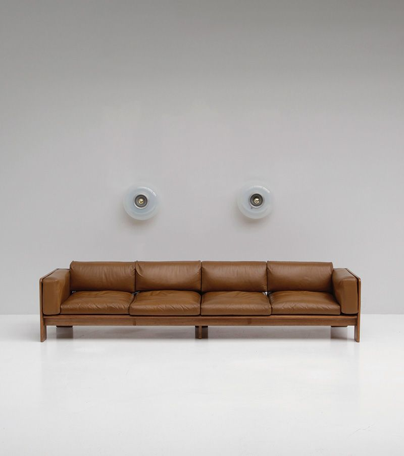 breites ledersofa in cognac 1970er bei pamono kaufen. Black Bedroom Furniture Sets. Home Design Ideas