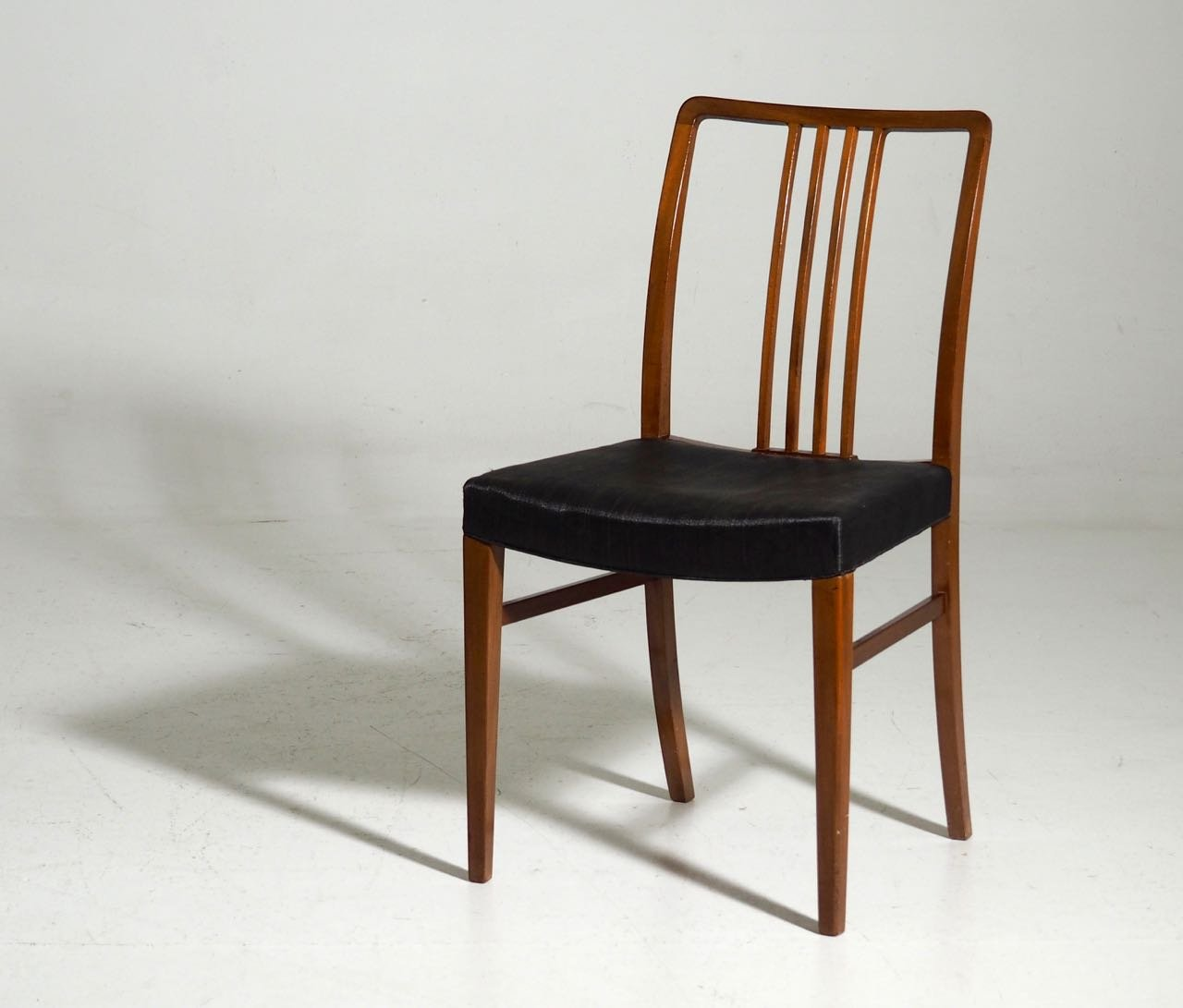 Mahogany horsehair dining chairs 1950s set of 12 for for Furniture 1950