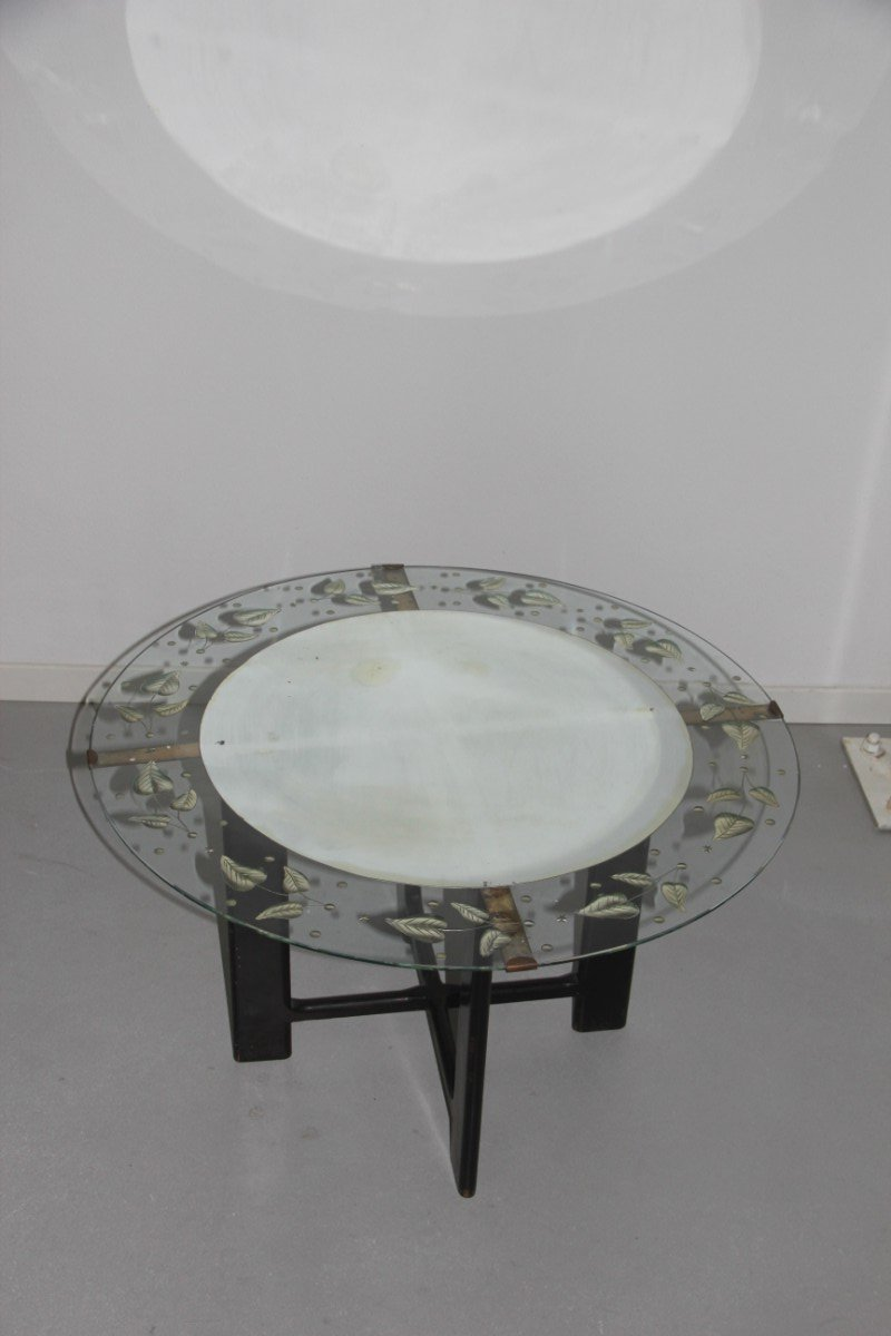 Vintage Round Glass Coffee Table with Leaf Pattern, 1950s - Vintage Round Glass Coffee Table With Leaf Pattern, 1950s For Sale