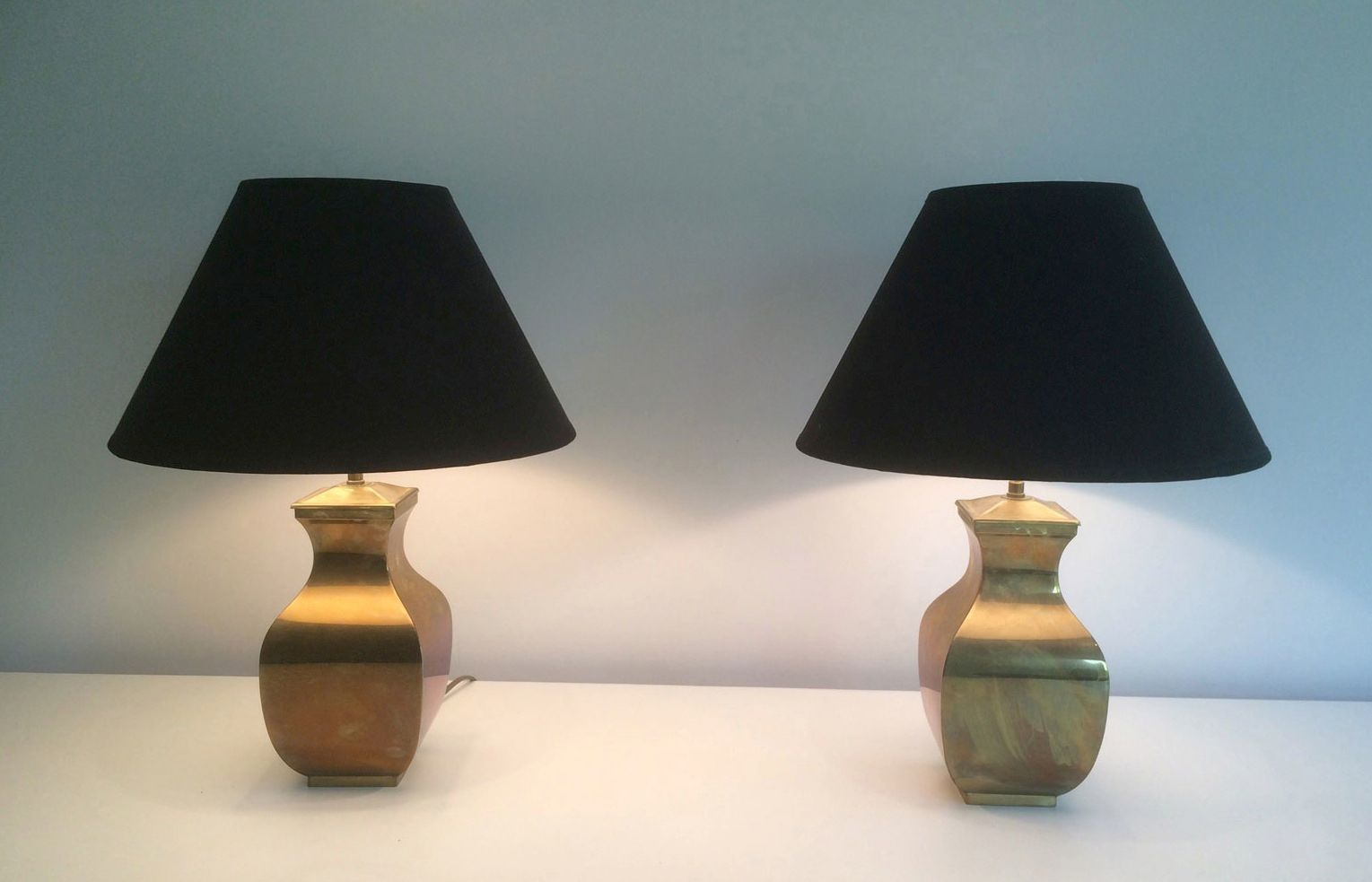 vintage brass table lamps 1970s set of 2 for sale at pamono. Black Bedroom Furniture Sets. Home Design Ideas