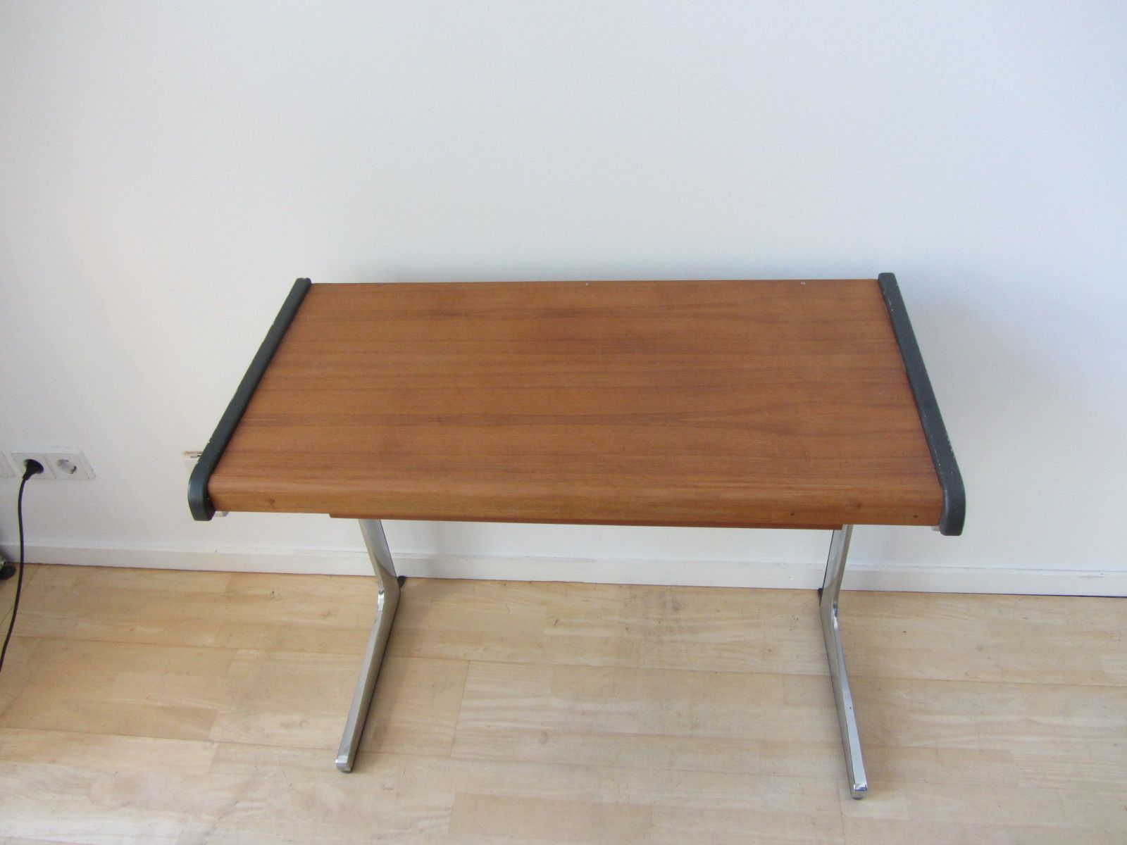 action office 1 small desk by george nelson robert probst for herman miller 1960s action office 1 desk