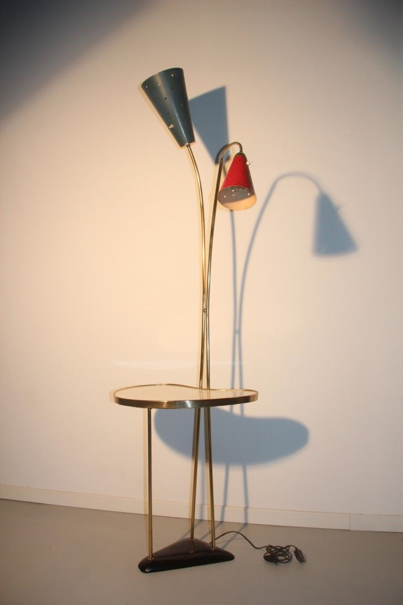 lampadaire avec table int gr e de stilnovo italie 1950. Black Bedroom Furniture Sets. Home Design Ideas