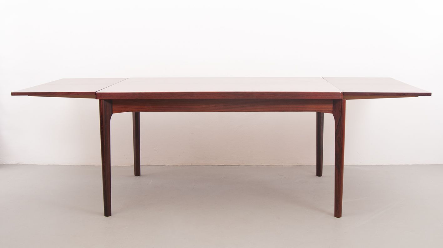 Extensible dining table by henning kj rnulf for vejle for Table ilot extensible