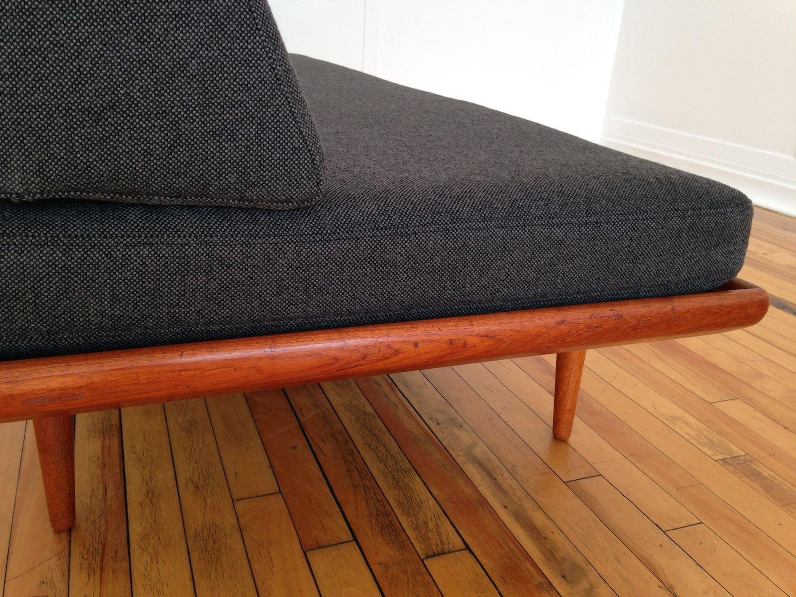 Canap lit minerva en teck et laine kvadrat par peter - Canape lit en anglais ...