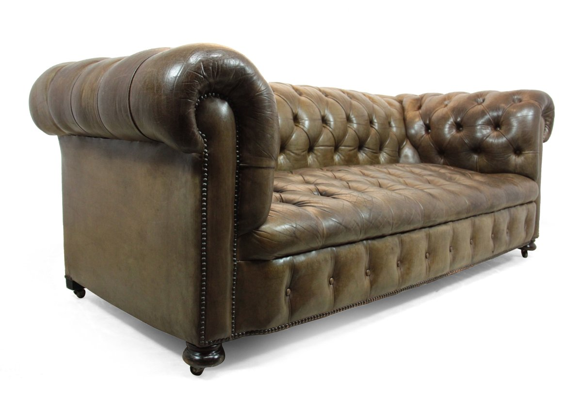 gekn pftes chesterfield sofa aus leder 1950er bei pamono. Black Bedroom Furniture Sets. Home Design Ideas