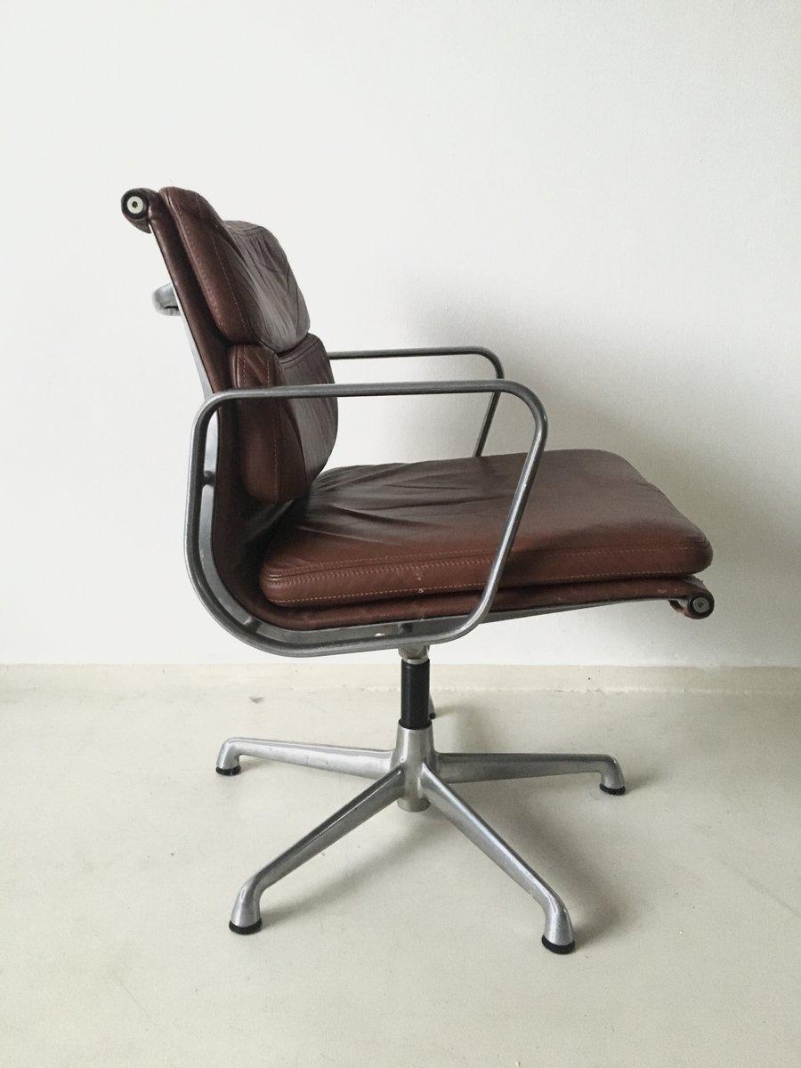 chaise pivotante eames ea208 par charles ray eames pour icf italy 1960s en vente sur pamono. Black Bedroom Furniture Sets. Home Design Ideas