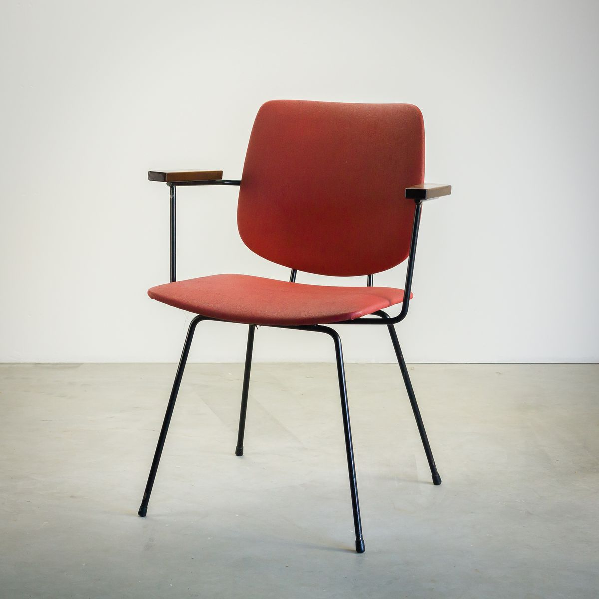 Dutch red dining chair by wim rietveld for kembo 1950s for Red dining chairs for sale
