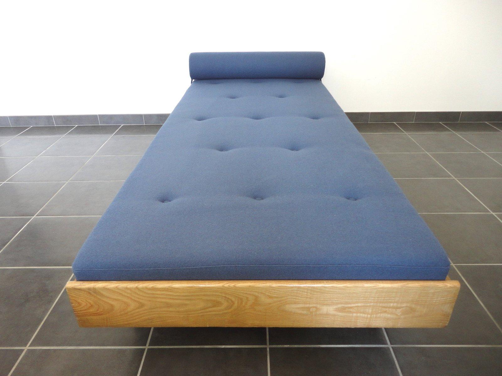 franz sisches schlafsofa mit esche rahmen 1950er bei pamono kaufen. Black Bedroom Furniture Sets. Home Design Ideas