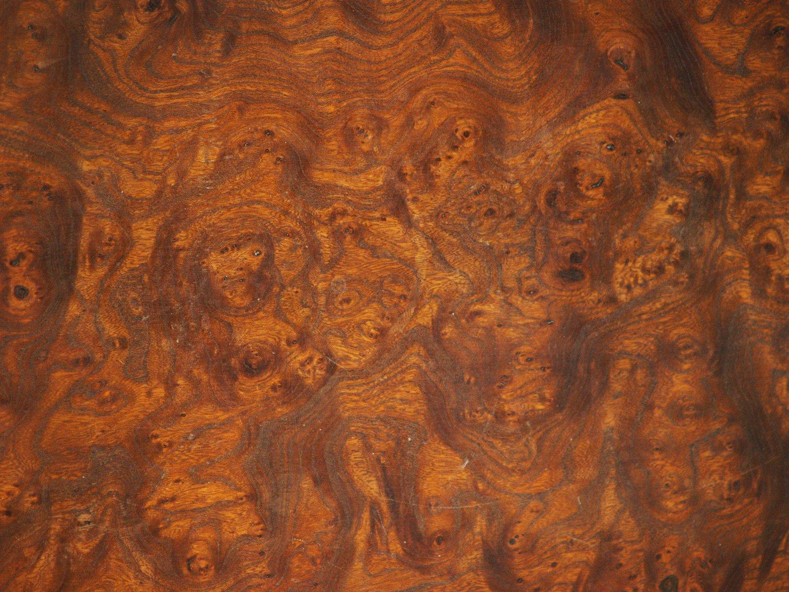 Primitivistischer Couchtisch aus Naturholz, 1960er bei