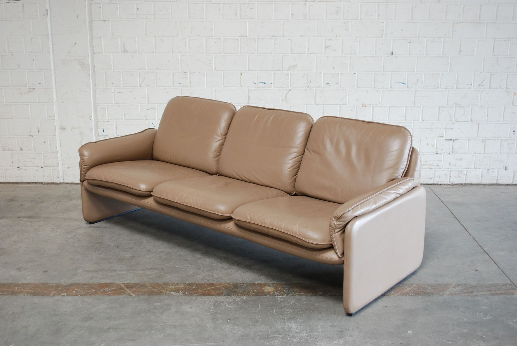Vintage DS 61 Leather Sofa and Lounge Chair from De Sede for sale