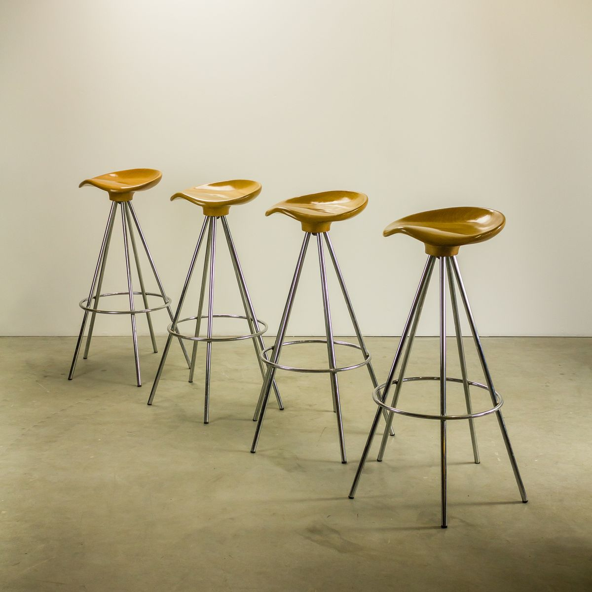 Jamaica Bar Stools By Pepe Cortes For Knoll Amat 3 Set