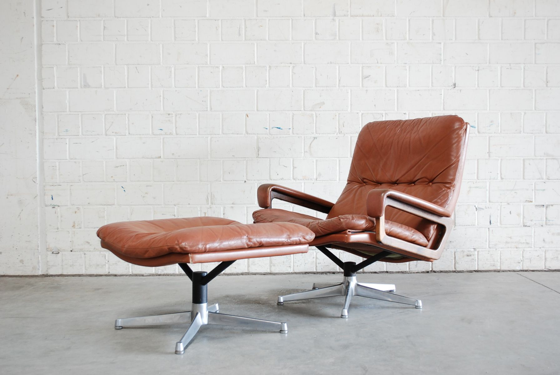 Vintage leather swivel chair - Vintage Swivel Chair With Ottoman By Andr Vandenbeuck For Str Ssle For Sale At Pamono