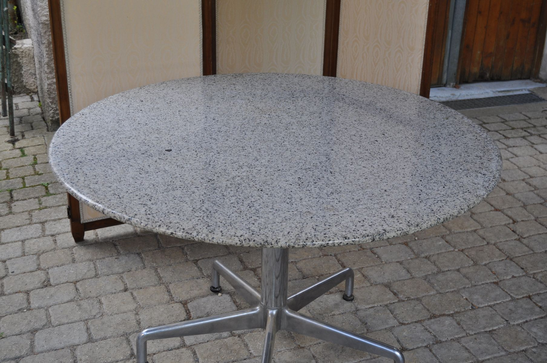 Vintage French Granite Round Dining Table for sale at Pamono : vintage french granite round dining table 2 from www.pamono.co.uk size 1807 x 1200 jpeg 300kB