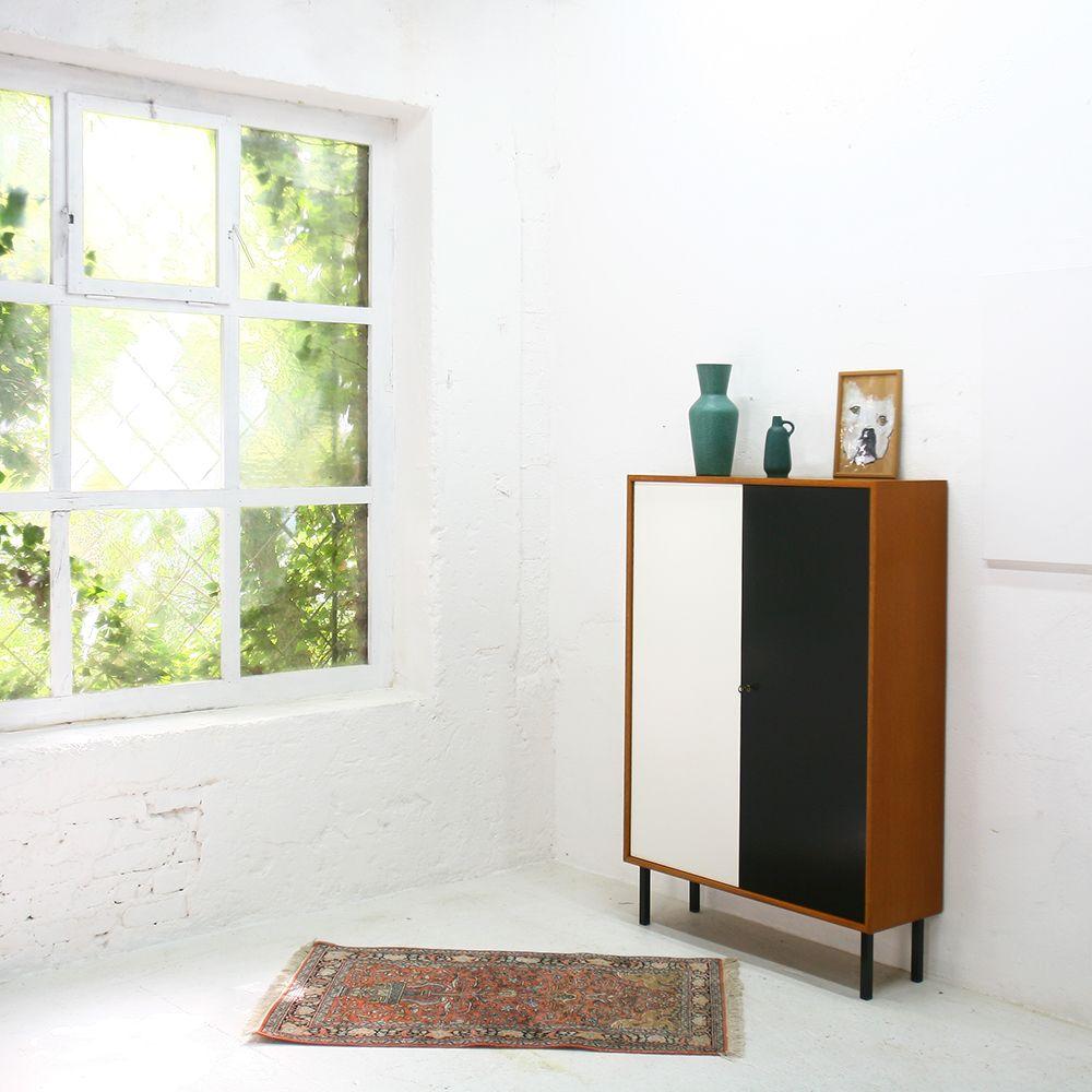 no 465 schwarz wei er schrank von wk m bel 1960er bei pamono kaufen. Black Bedroom Furniture Sets. Home Design Ideas
