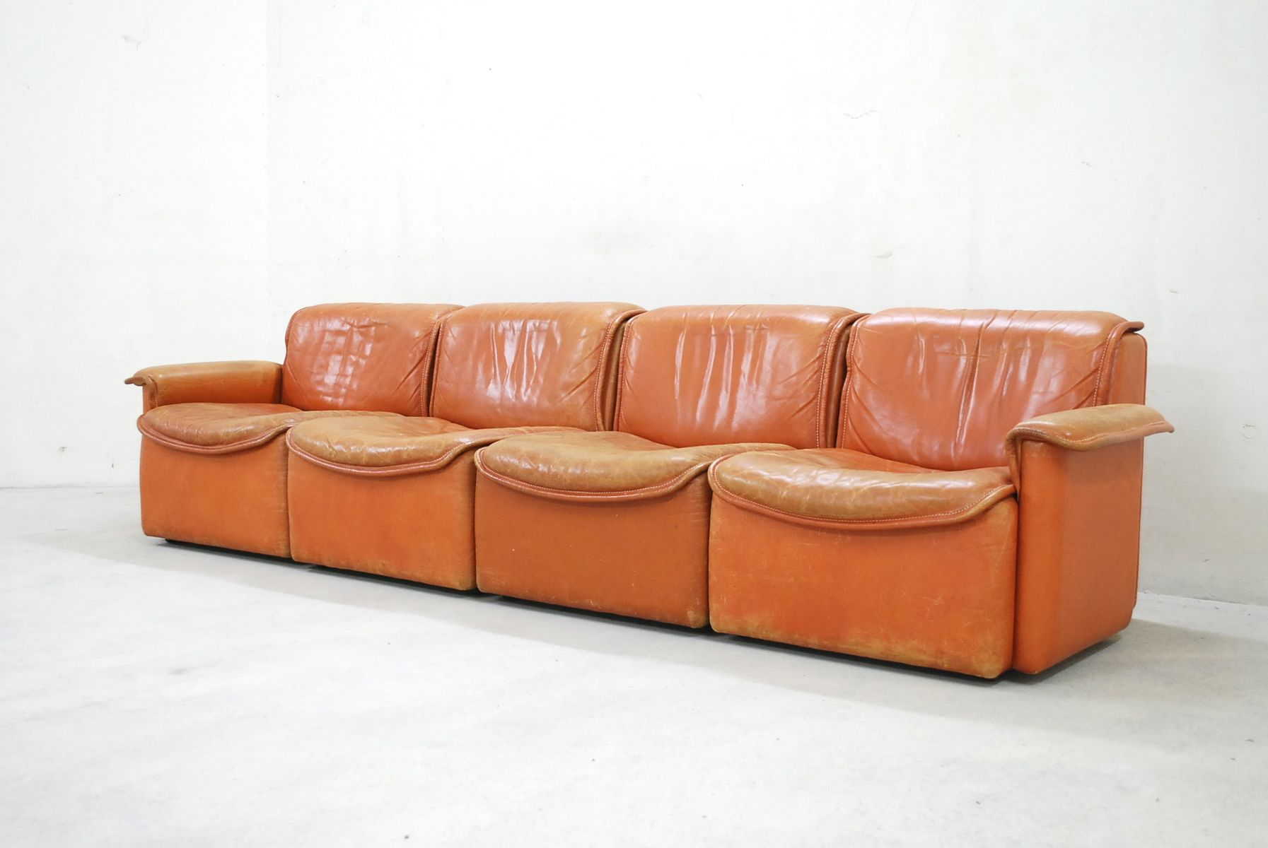 ds 12 modulares cognac ledersofa von de sede 1980 bei pamono kaufen. Black Bedroom Furniture Sets. Home Design Ideas