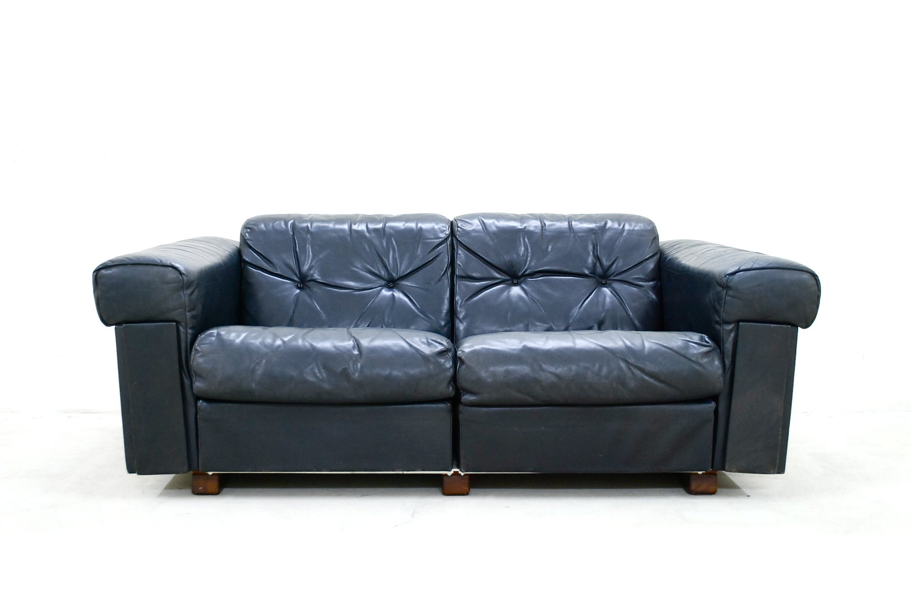 black leather two seater sofa from de sede 1970 2