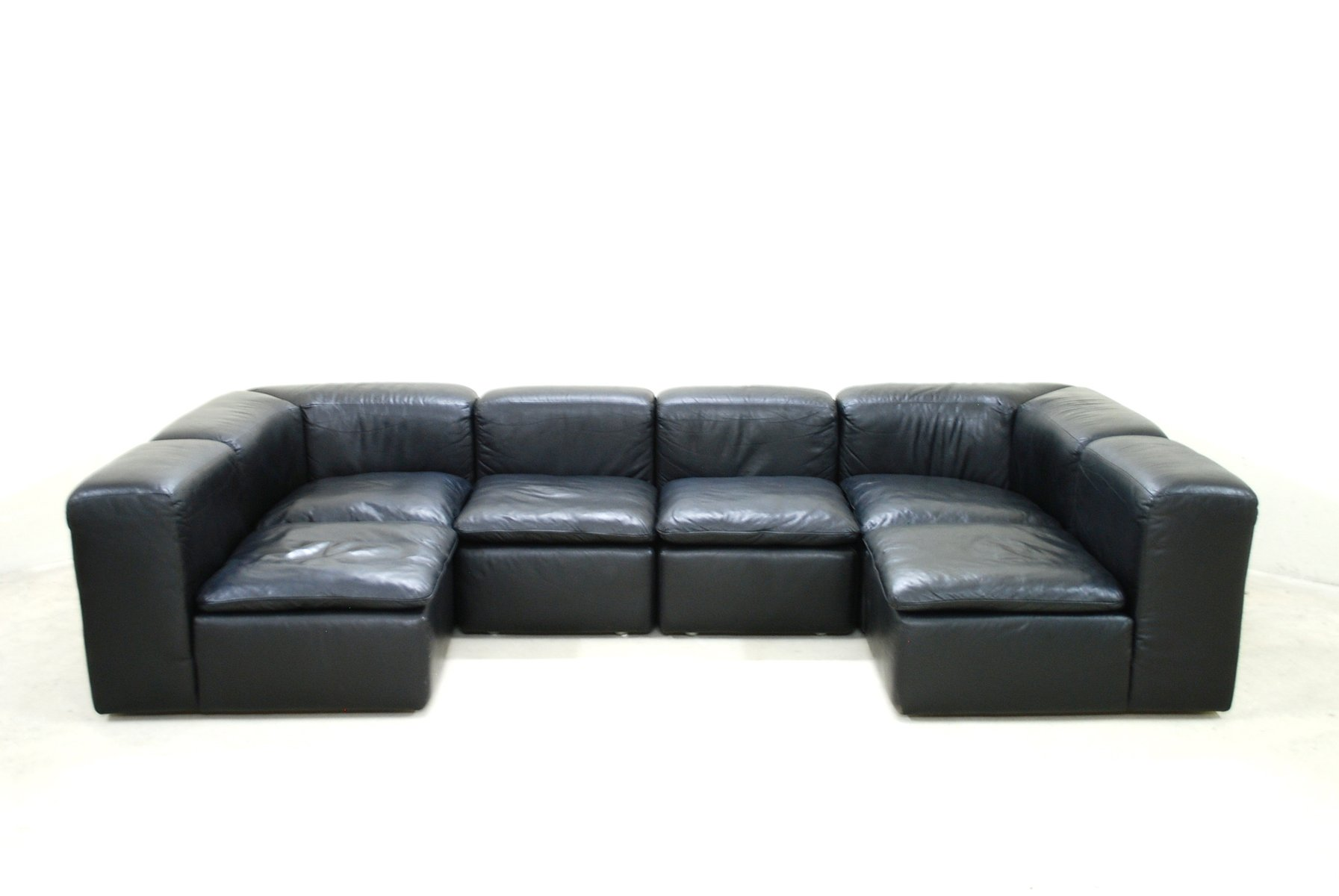 modular black cube design wk 550 leather sofa by ernst. Black Bedroom Furniture Sets. Home Design Ideas