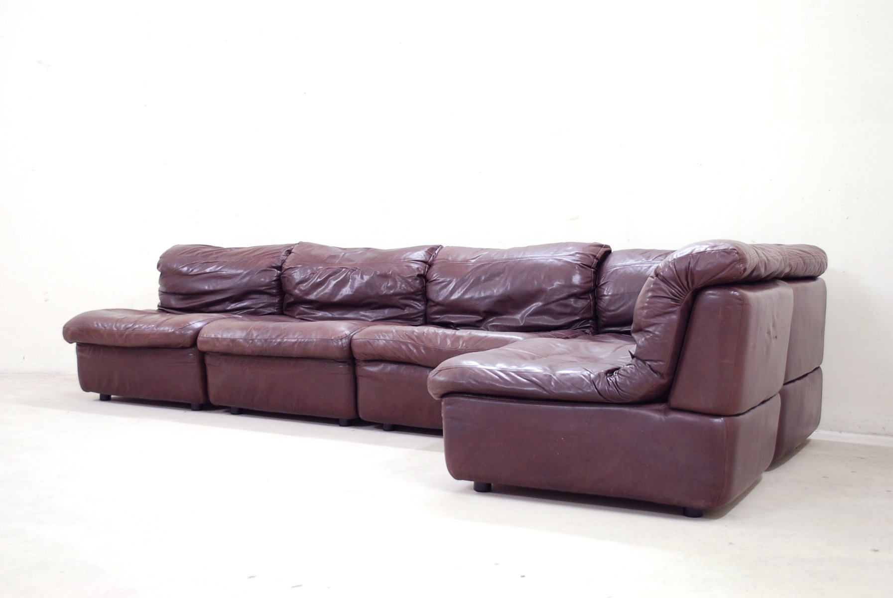 modulares bordeaux ledersofa von rolf benz 1985 bei pamono kaufen. Black Bedroom Furniture Sets. Home Design Ideas