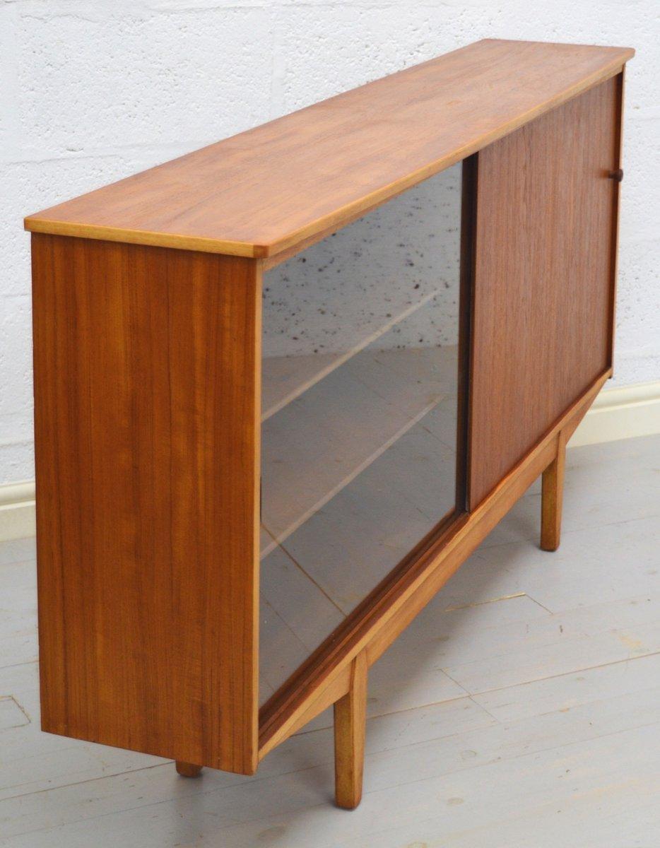 mid century teak sideboard mit vitrine bei pamono kaufen. Black Bedroom Furniture Sets. Home Design Ideas
