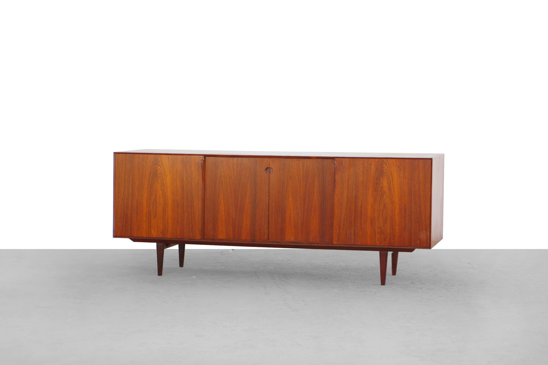 Danish rosewood sideboard by henry rosengren hansen for for Sideboard x7
