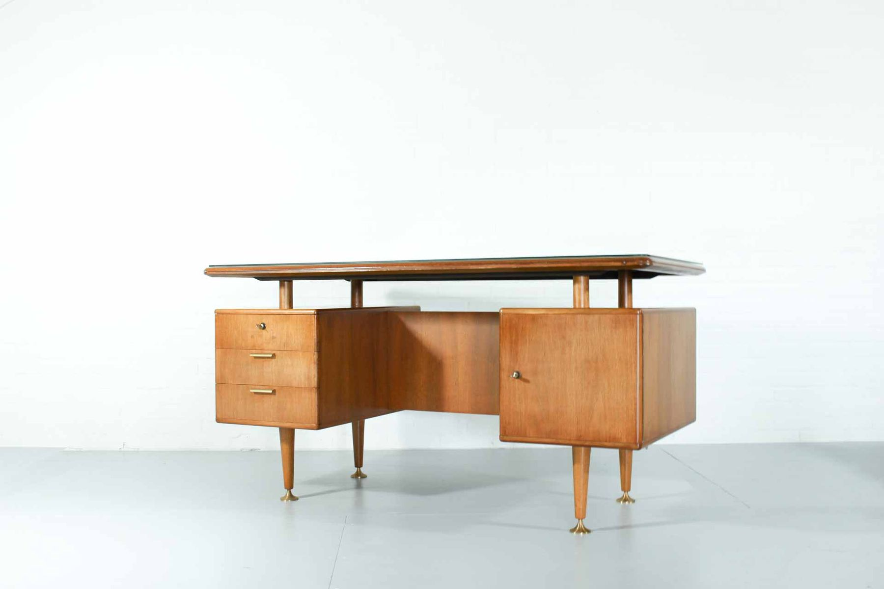 niederl ndischer nussholz poly z schreibtisch mit stuhl von patijn f r zijlstra 1950er 2er set. Black Bedroom Furniture Sets. Home Design Ideas
