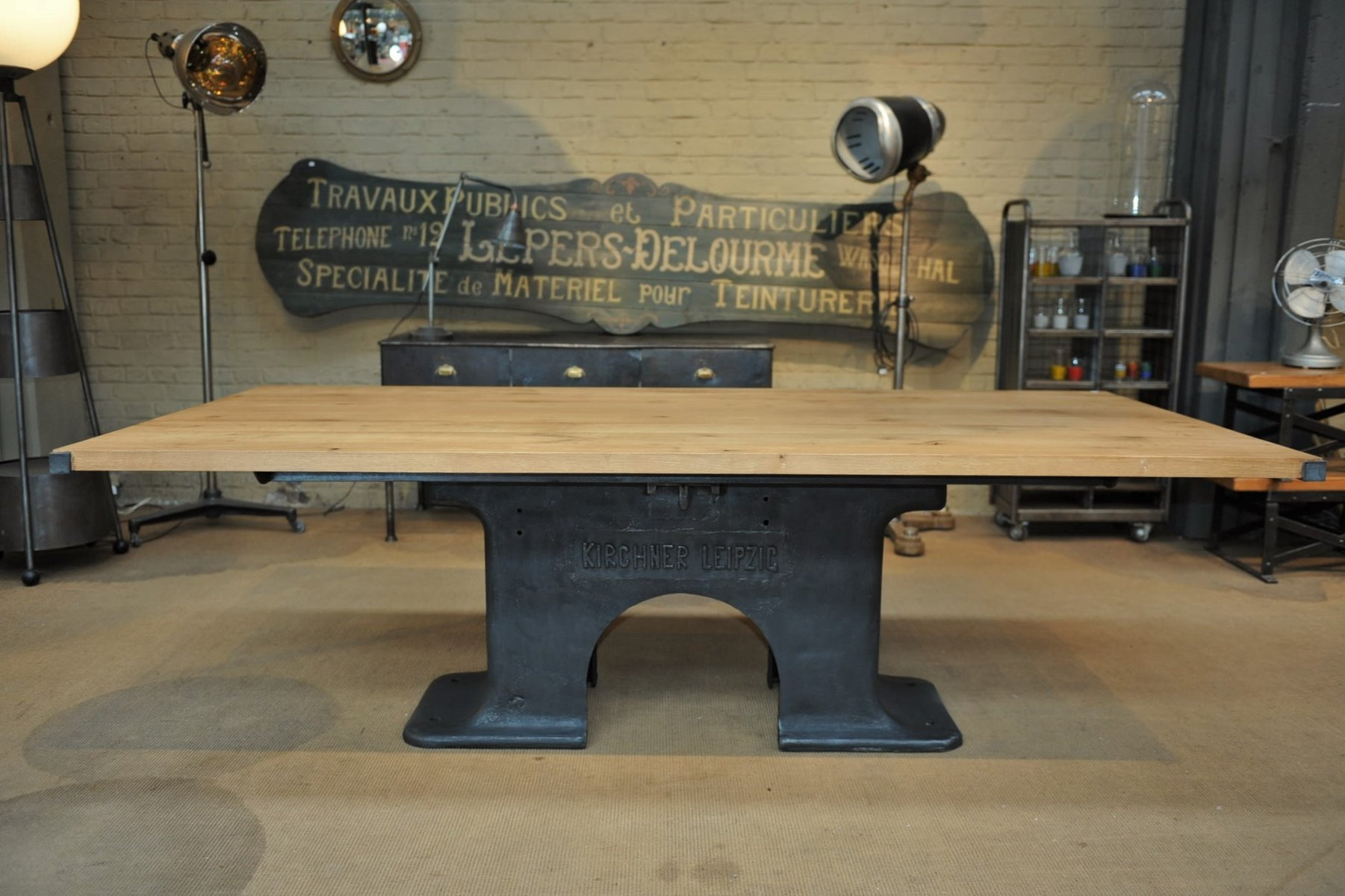 Table de salle manger industrielle en fer forg ch ne for Table salle a manger fer forge