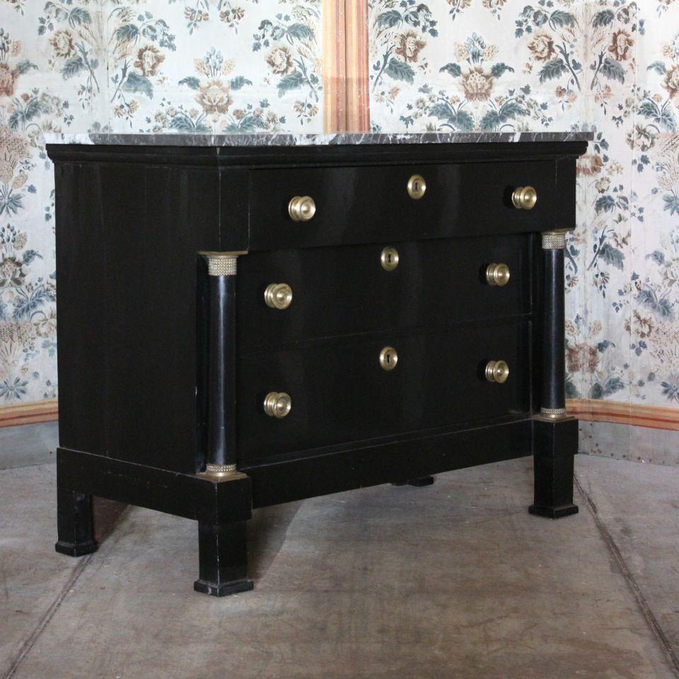 antike franz sische empire kommode mit marmorplatte bei. Black Bedroom Furniture Sets. Home Design Ideas
